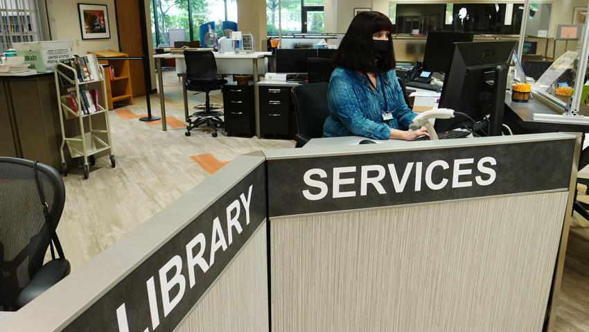 The library services desk at the Learning Commons.